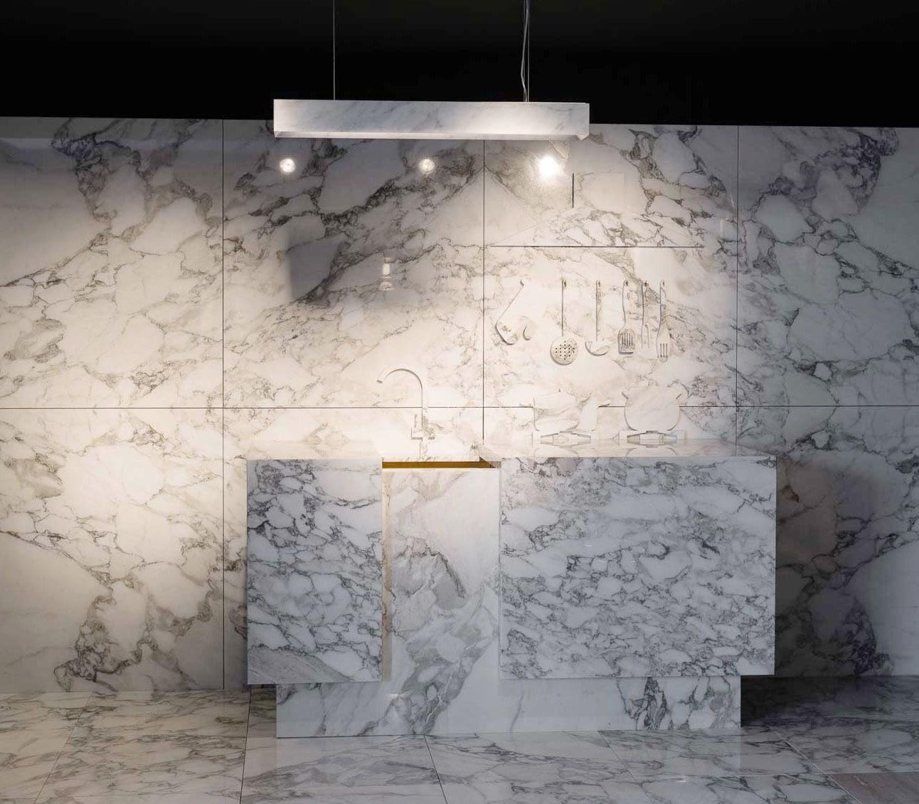 white arabescato marble kitchen